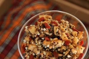 Закуска с 5 вида накиснати зърна и семена ;)